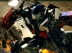 optimus_prime_close_up_transformers_the_movie.jpg