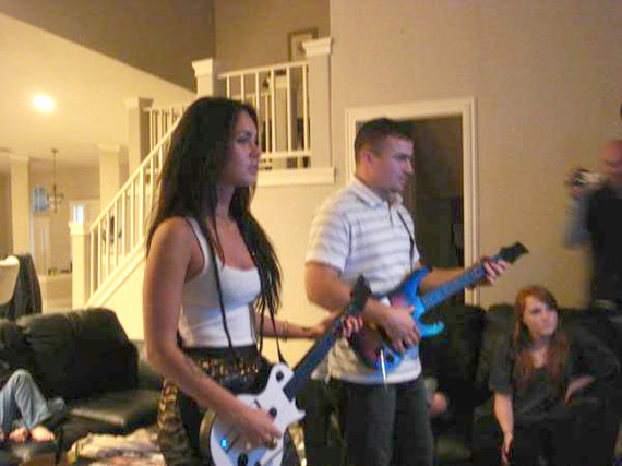 megan-fox-guitar-hero-01.jpg