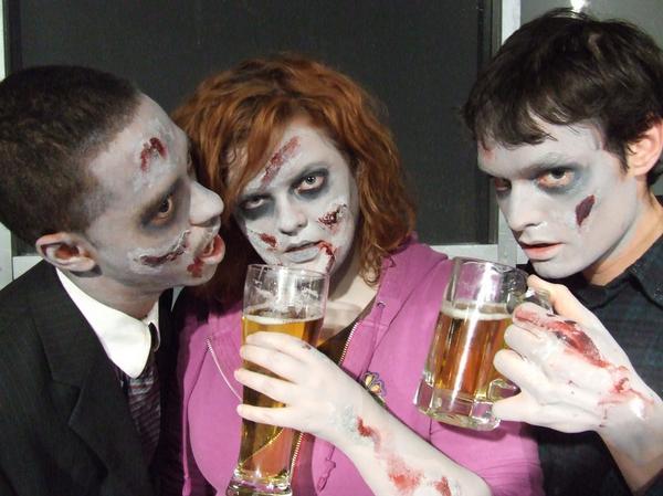 Zombie Pub Crawl 2.jpg