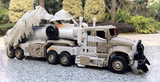 tf3-megatron-truck-toy.jpg