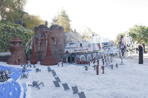 star-wars-invades-legoland.6178724.87.jpg