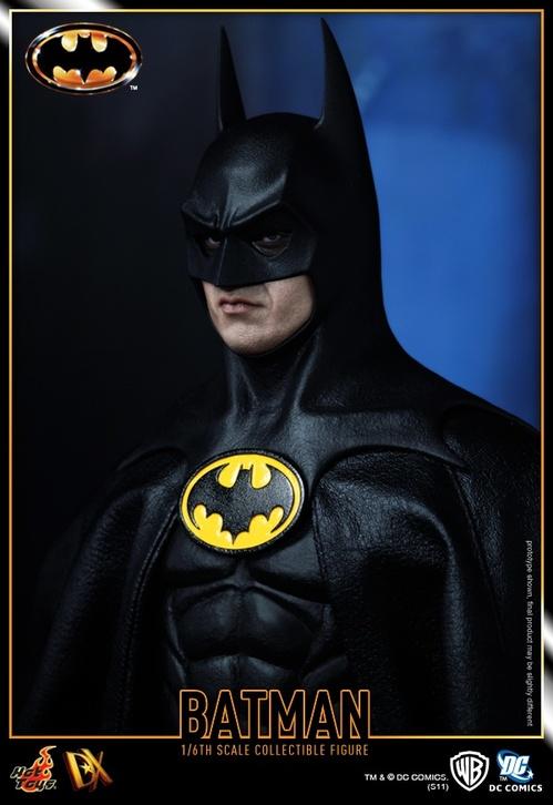 Hot Toys_Batman_Batman_PR15.jpg
