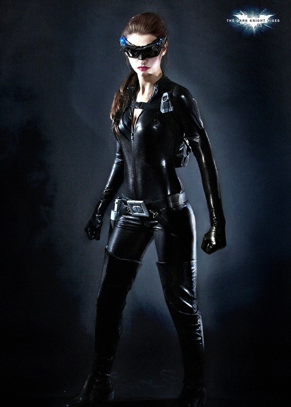 anne-hathaway-in-full-catwoman-costume-frontal.jpg
