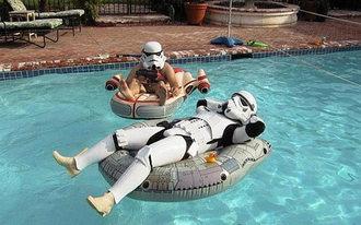 star-wars-troopers-in-pool.jpg