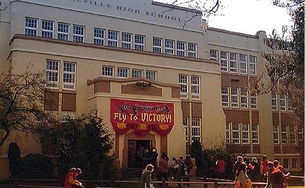 Smallville_High_School.jpg