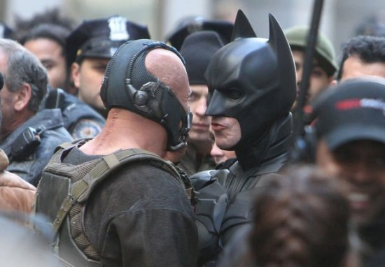 dark-knight-rises-movie-Bat-Bane-Showdown-550x382.jpg