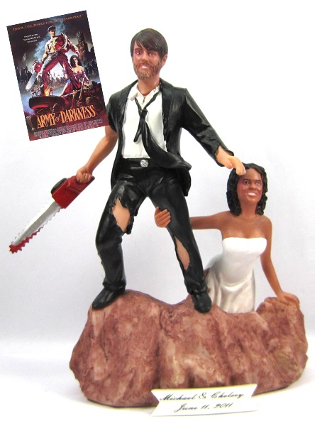 10 Romantically Nerdy Wedding Cake Toppers The Robot S Voice