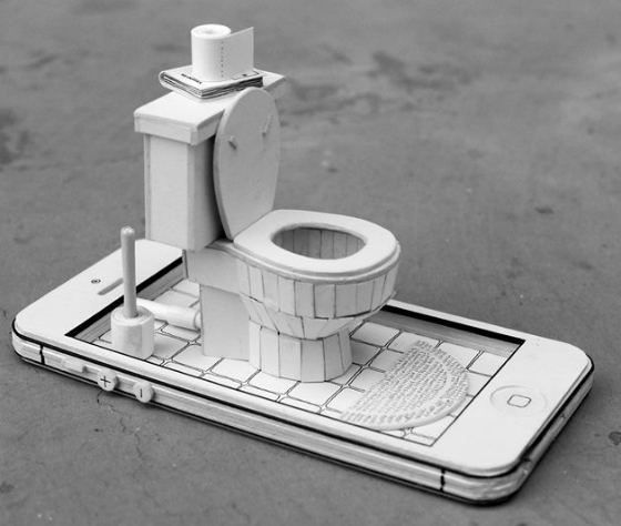 paperiphonetoilet.jpg
