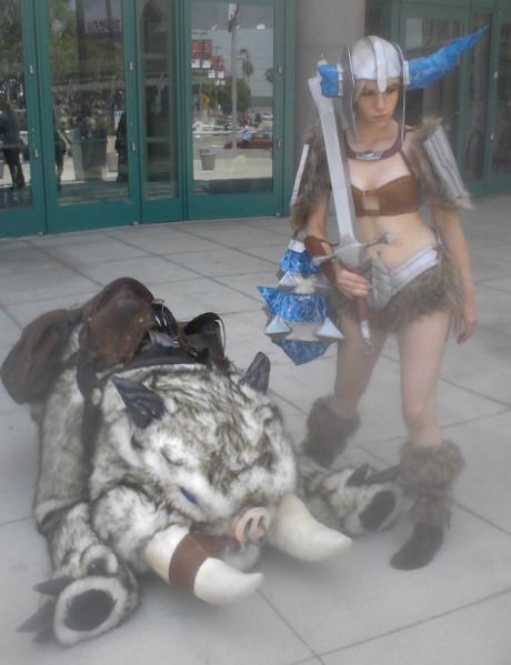 cosplay_girlandmount.jpg