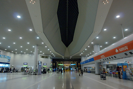 Kansai_Airport_Station01s5s3200.jpg