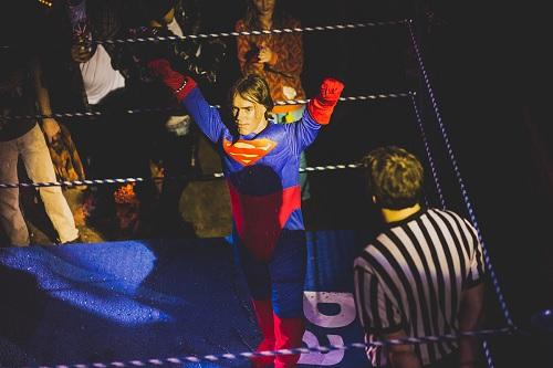 superman-wrestling.jpg