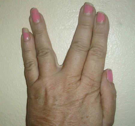 nails2.JPG