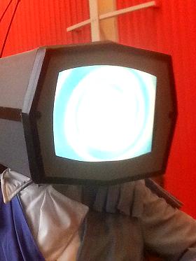 1HEADERprincerobotcloseupday2.jpg