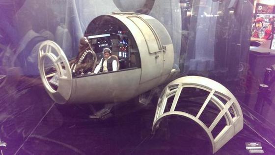 1-6scalefalconcockpit.jpg